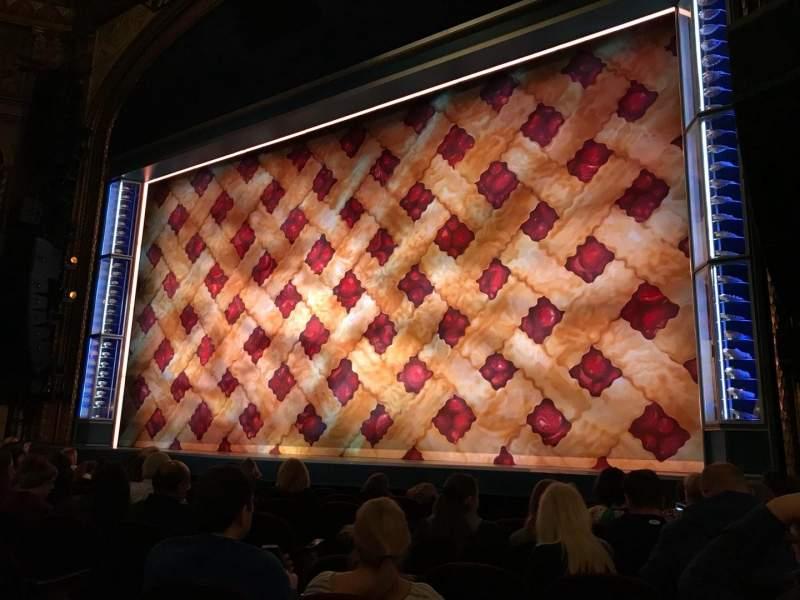 Vista sentada para Brooks Atkinson Theatre Secção Orchestra R Fila G Lugar 10