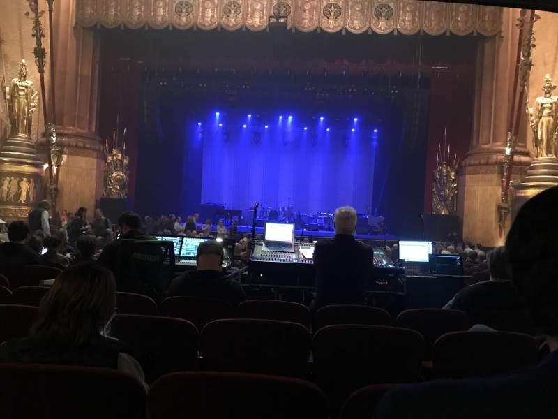 Vista sentada para Beacon Theatre Secção Orchestra C Fila T Lugar 112
