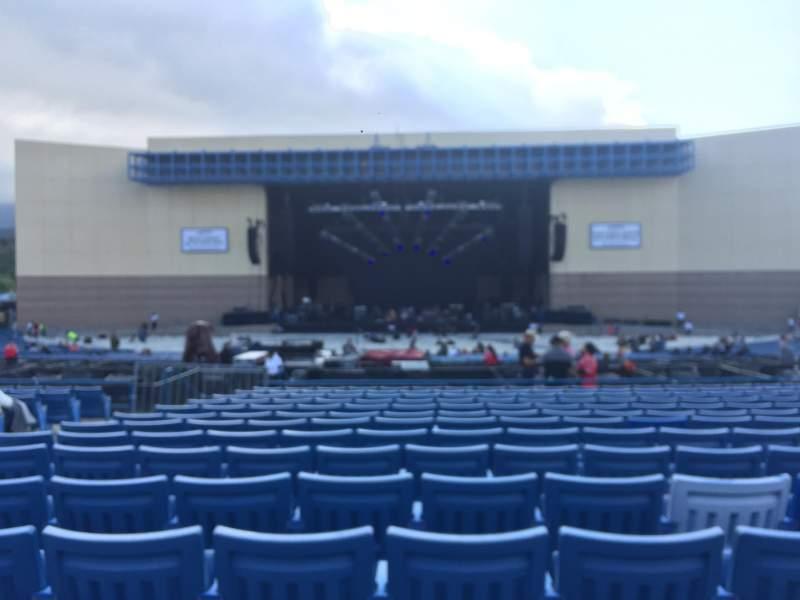Vista sentada para Glen Helen Amphitheater Secção Loge 6 Fila P Lugar 40