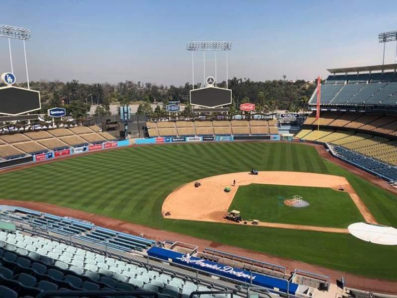Vista sentada para Dodger Stadium Secção 11RS Fila L Lugar 19