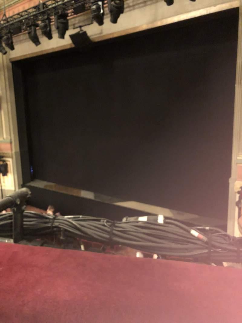 Vista sentada para Neil Simon Theatre Secção Front Mezzanine R Fila A Lugar 6