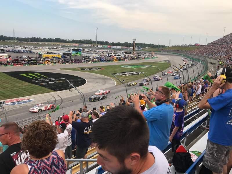 Vista sentada para Kentucky Speedway Secção Grandstand 3M Fila 11 Lugar 1