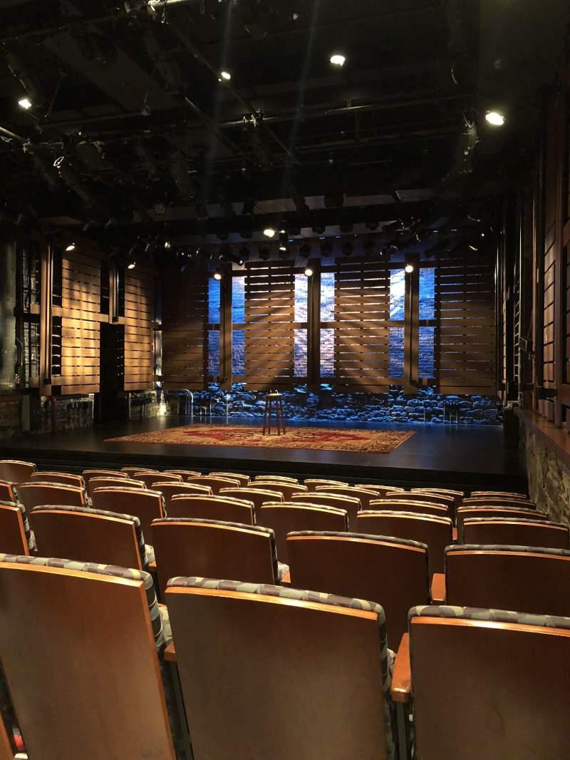 Vista sentada para Cherry Lane TheatreFila H Lugar 1