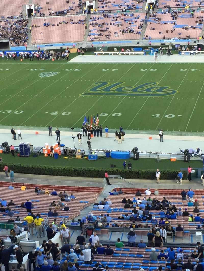 Vista sentada para Rose Bowl Secção Club E207 Fila B Lugar 1and2