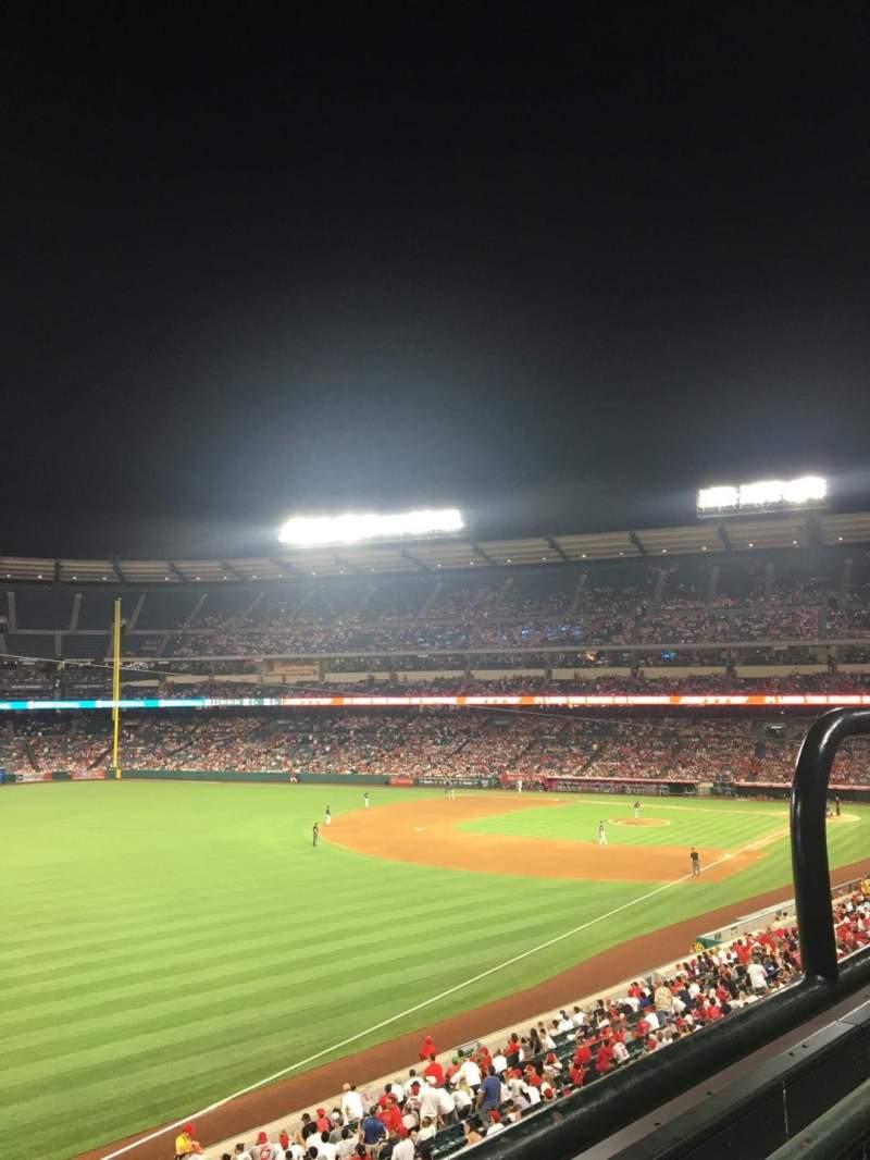 Vista sentada para Angel Stadium Secção C306 Fila 1 Lugar 13