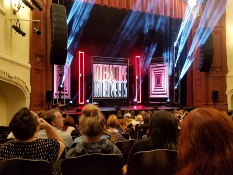 Vista sentada para Moore Theatre Secção Main L Fila K Lugar 2