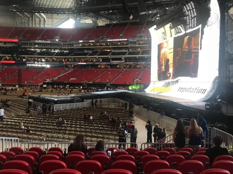 Vista sentada para Mercedes-Benz Stadium Secção 107 Fila 8 Lugar 5