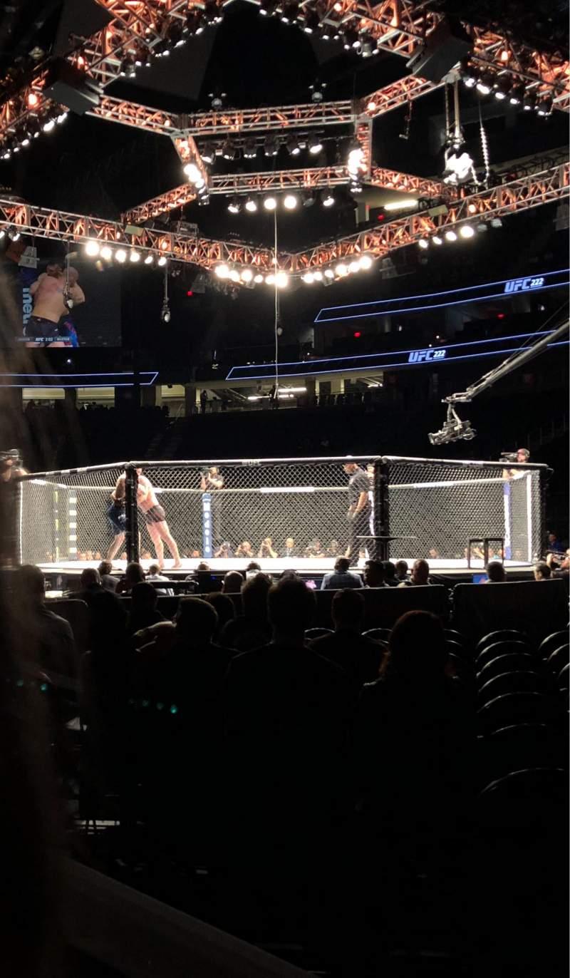 Vista sentada para T-Mobile Arena Secção 7 Fila 2 Lugar 1