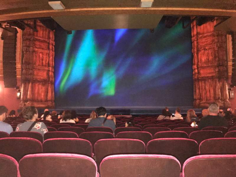 Vista sentada para St. James Theatre Secção Orchestra L Fila O  Lugar 7