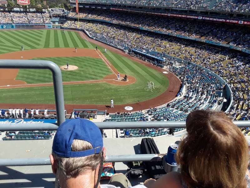 Vista sentada para Dodger Stadium Secção 11RS Fila B Lugar 19