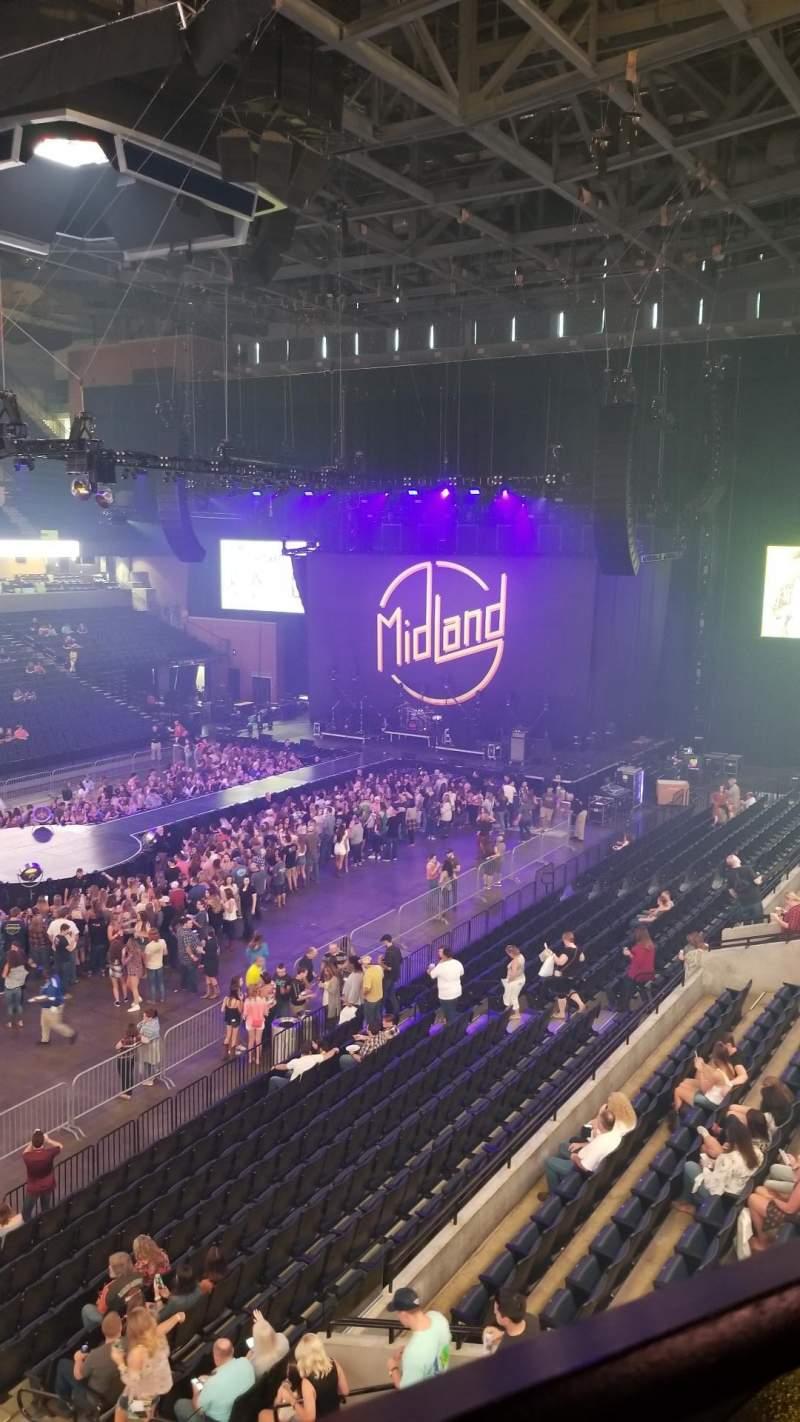 Vista sentada para John Paul Jones Arena Secção 305 Fila A Lugar 5