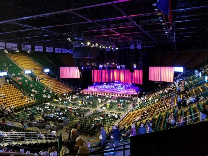 Vista sentada para EagleBank Arena Secção 106 Fila R Lugar 8