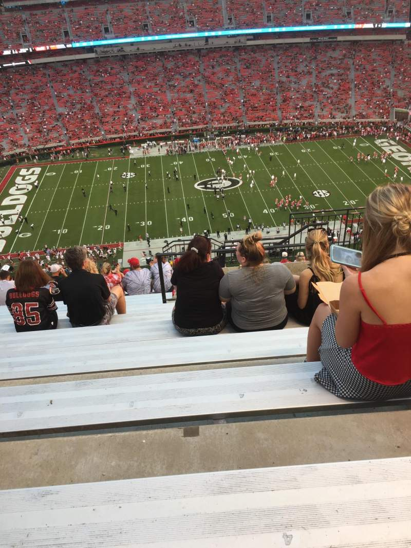 Vista sentada para Sanford Stadium