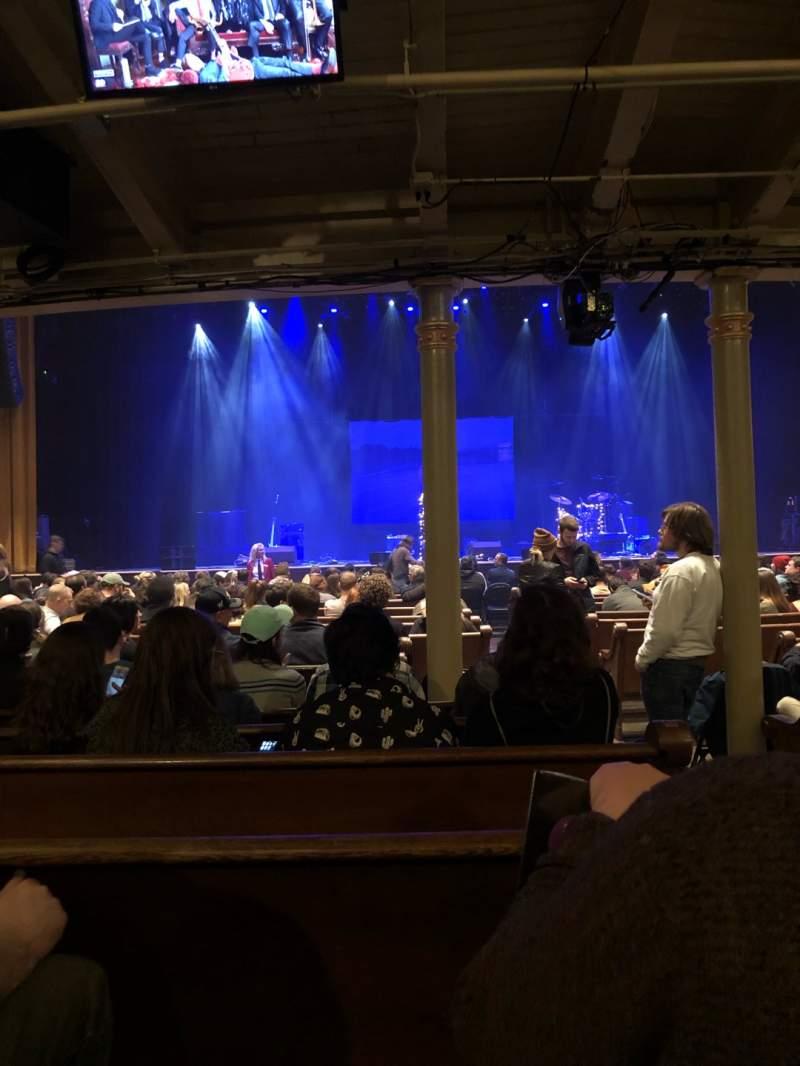 Vista sentada para Ryman Auditorium Secção MF-5 Fila R Lugar 2