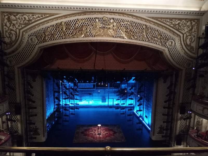 Vista sentada para Cort Theatre Secção Balcony C Fila C Lugar 105