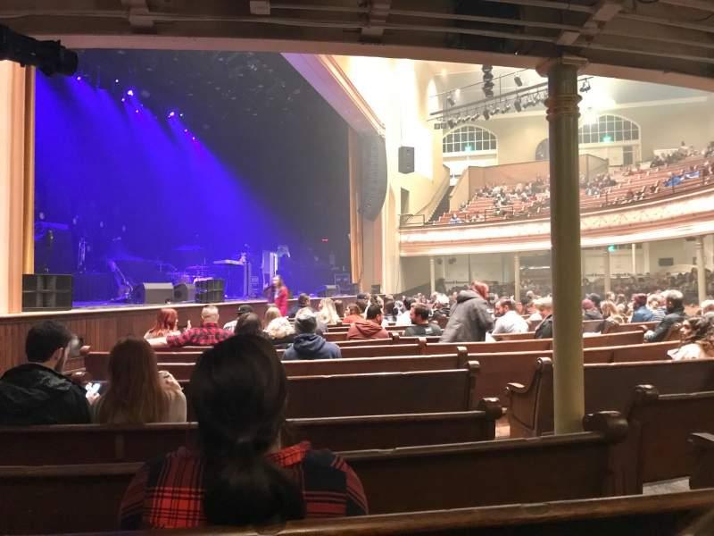 Vista sentada para Ryman Auditorium Secção 8 Fila Q Lugar 4