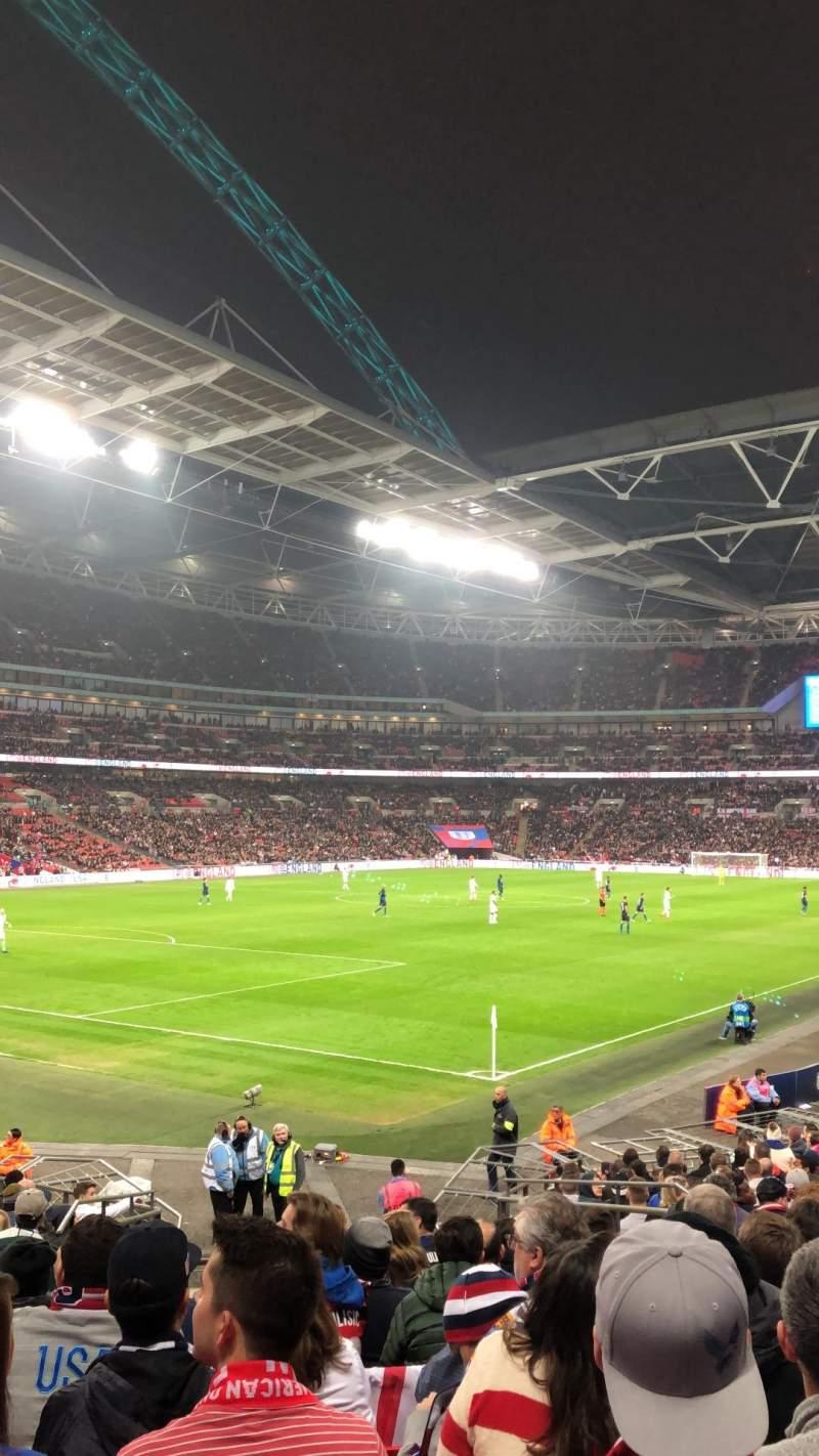 Vista sentada para Wembley Stadium Secção 130 Fila 22 Lugar 192