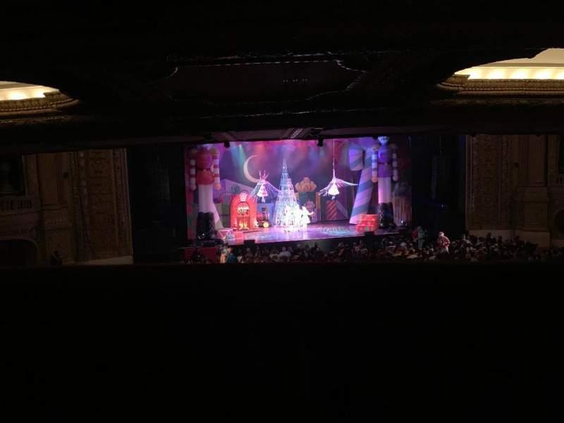 Vista sentada para Chicago Theatre Secção Mezzanine Box Q Fila 1 Lugar 2