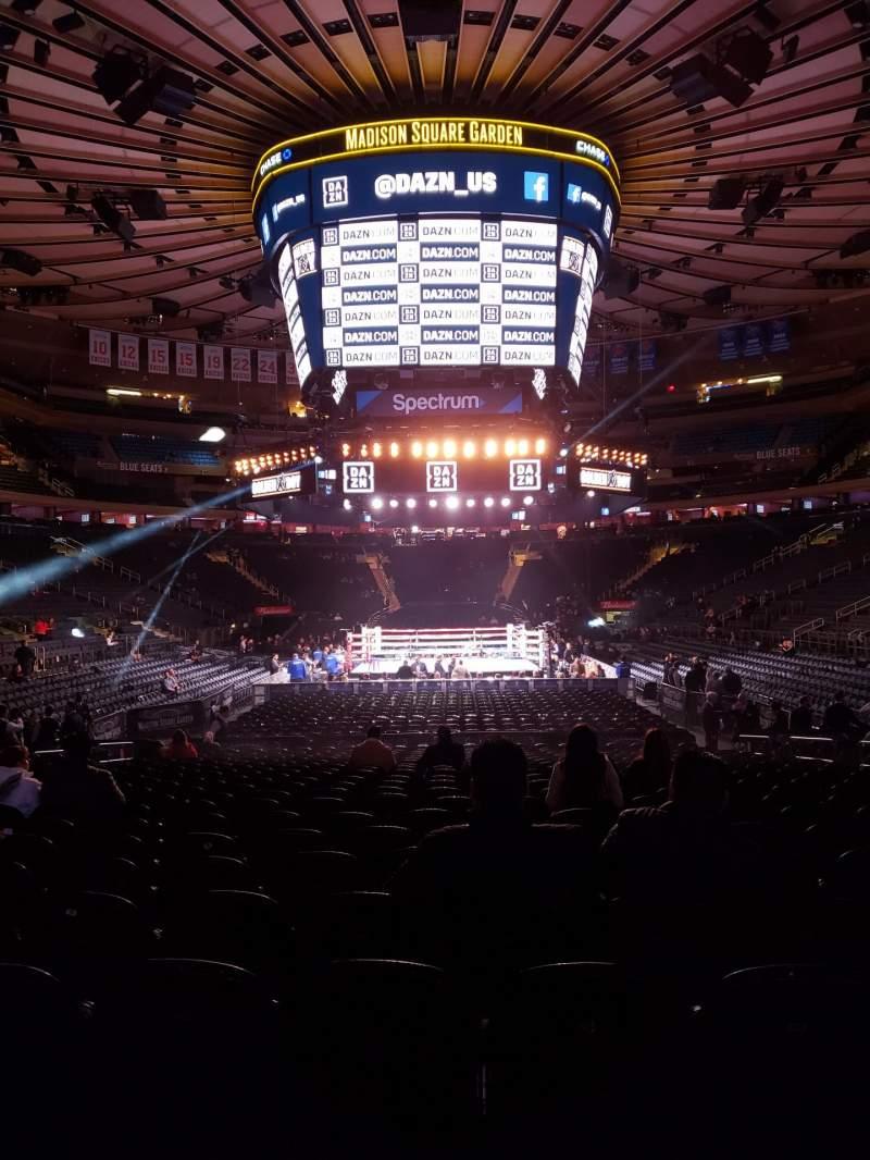 Vista sentada para Madison Square Garden Secção 102 Fila 6 Lugar 8