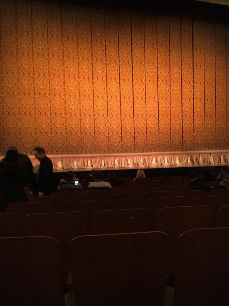 Vista sentada para Booth Theatre Secção Orchestra C Fila H Lugar 103