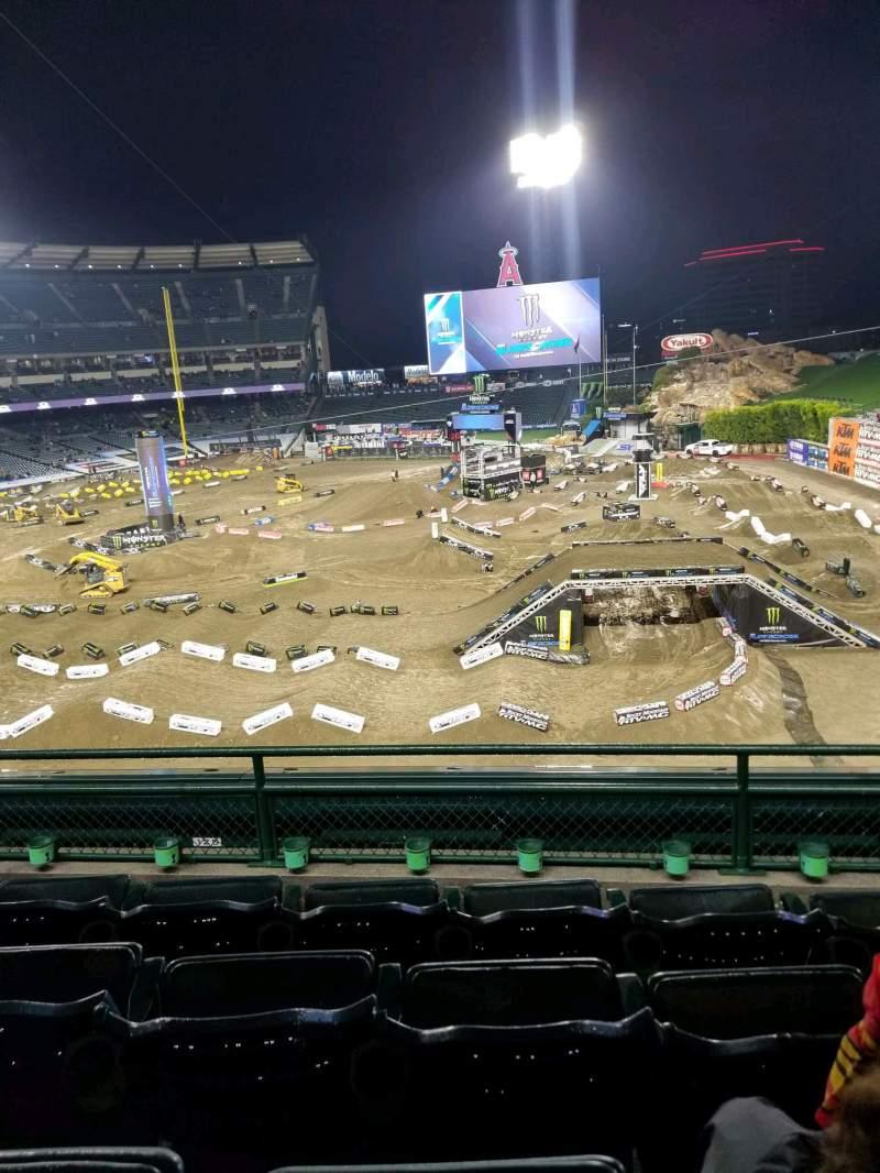 Vista sentada para Angel Stadium Secção C343 Fila D Lugar 11