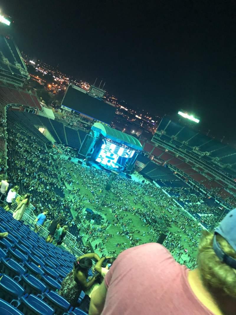 Vista sentada para Nissan Stadium Secção 327 Fila Y Lugar 9