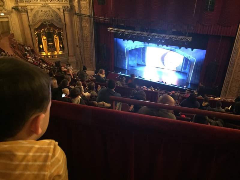 Vista sentada para Chicago Theatre Secção Balcony2R Fila M Lugar 204