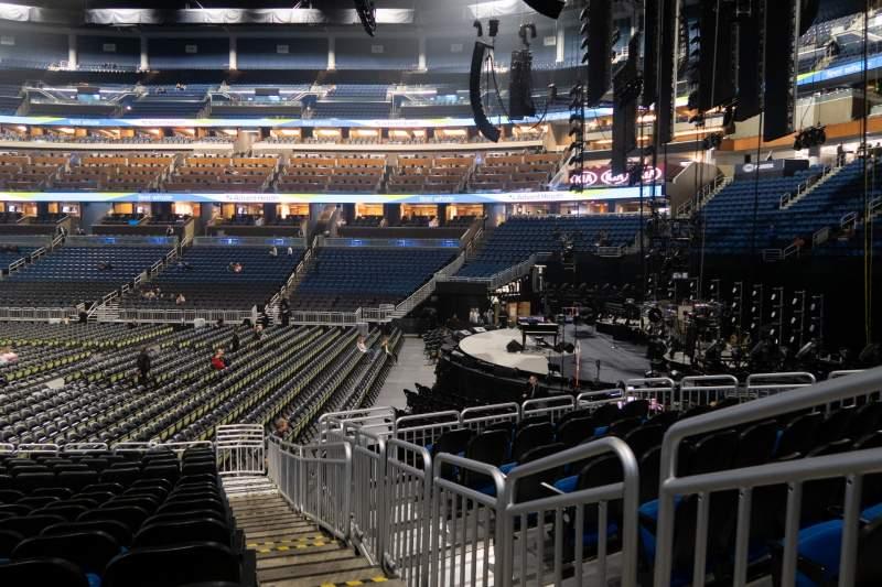 Vista sentada para Amway Center Secção 104 Fila 16 Lugar 1