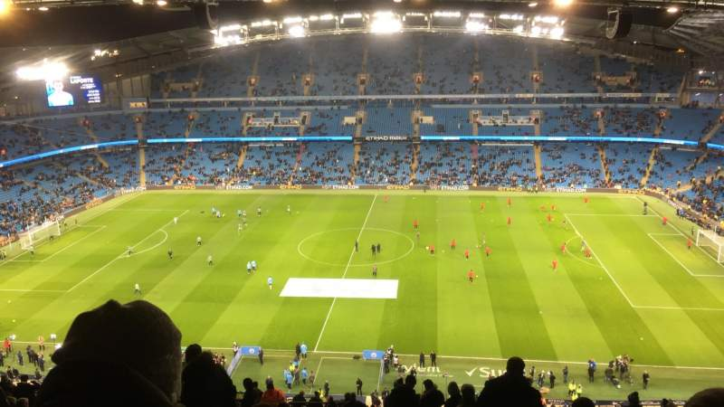 Vista sentada para Etihad Stadium (Manchester) Secção 325 Fila CC Lugar 720