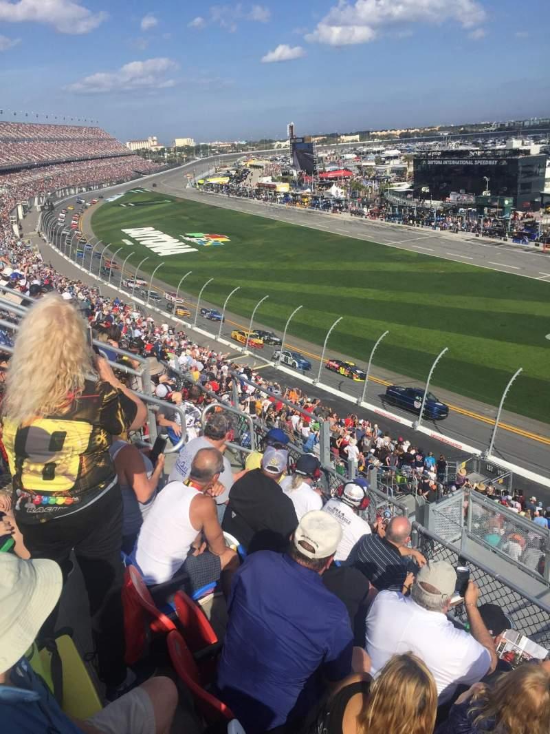 Vista sentada para Daytona International Speedway Secção 365 Fila 5 Lugar 20