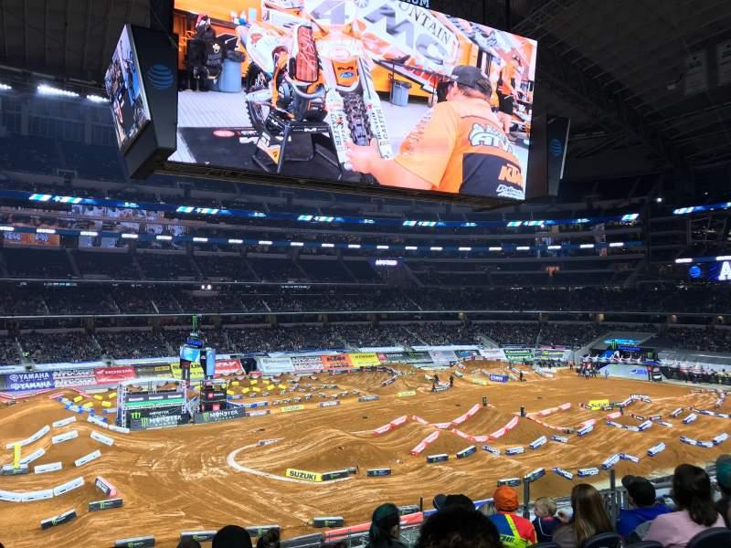 Vista sentada para AT&T Stadium Secção C213 Fila 7 Lugar 8