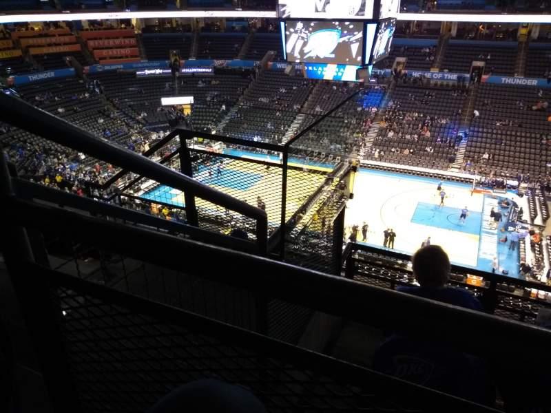 Vista sentada para Chesapeake Energy Arena Secção 322 Fila E Lugar 18
