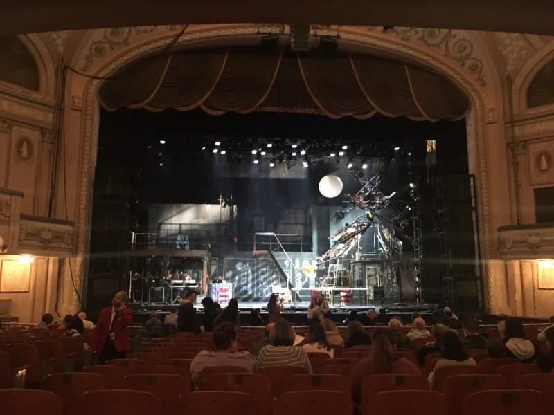 Vista sentada para Merriam Theater Secção Orchestra Fila Q Lugar 111