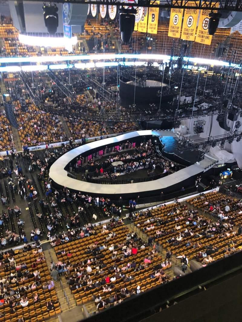 Vista sentada para TD Garden Secção S13 Lugar 4