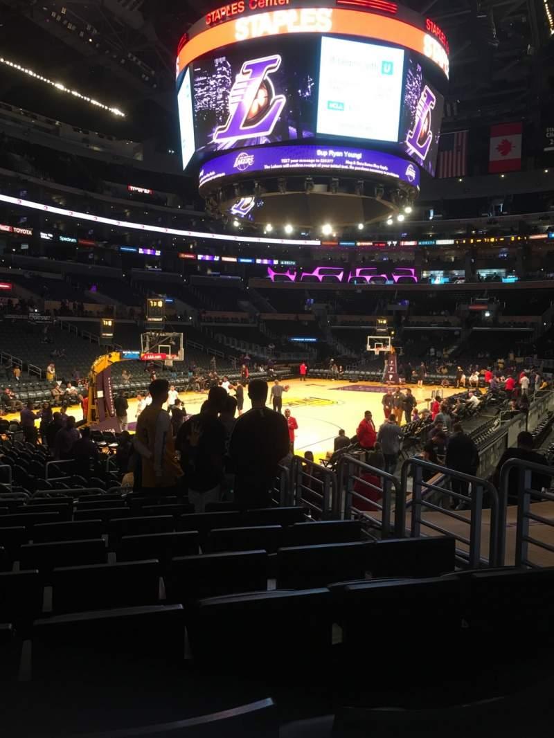 Vista sentada para Staples Center Secção 105 Fila 12 Lugar 5