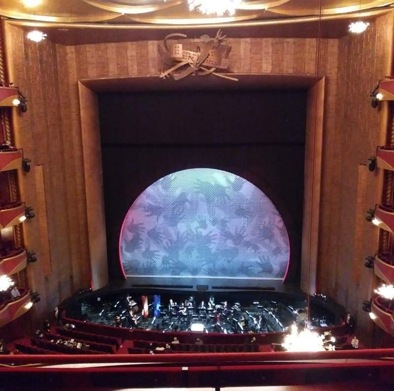 Vista sentada para Metropolitan Opera House - Lincoln Center Secção Balcony Fila C Lugar 108