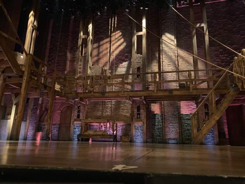 Vista sentada para Richard Rodgers Theatre Secção Orchestra c Fila CC  Lugar 103