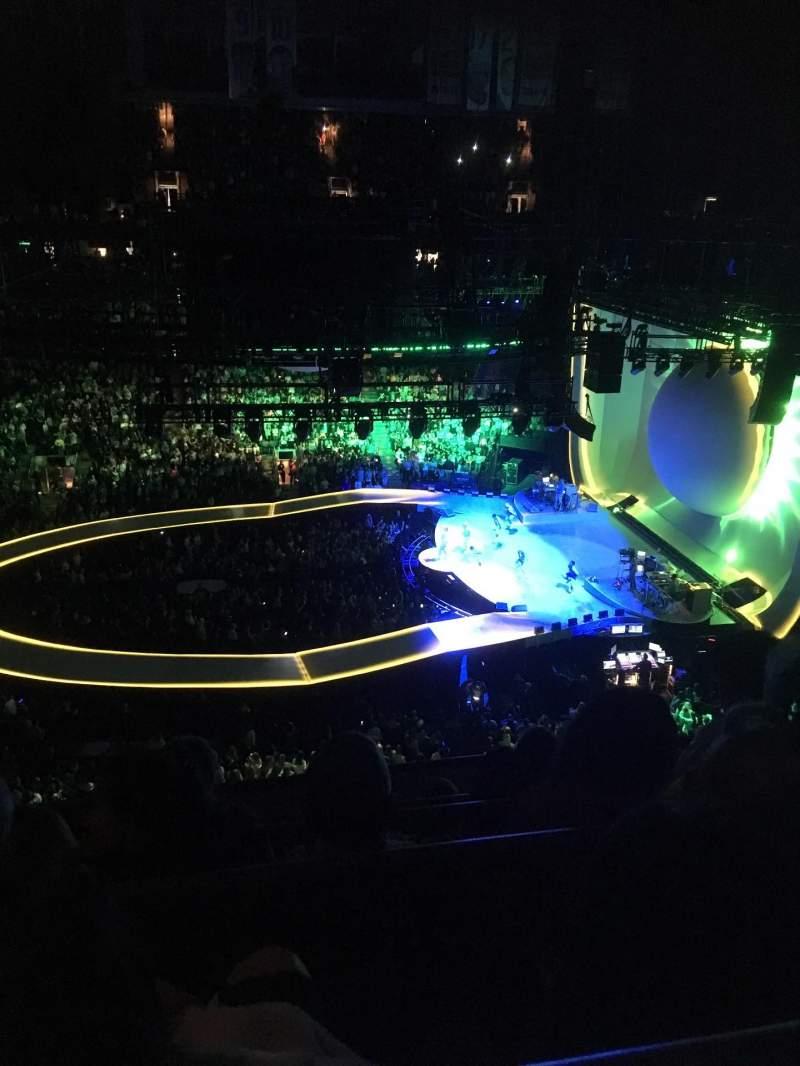 Vista sentada para Scotiabank Arena Secção 320 Fila 5 Lugar 18