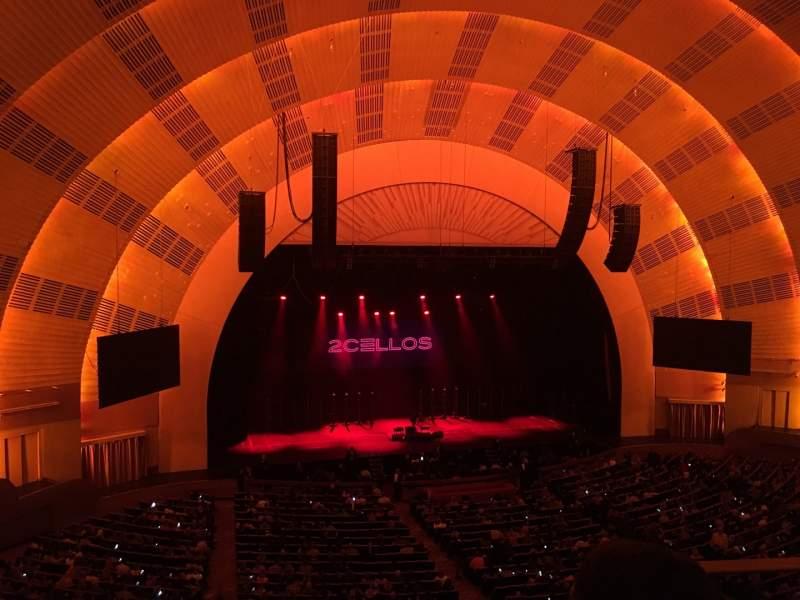 Vista sentada para Radio City Music Hall Secção 2nd Mezzanine 6 Fila B Lugar 602