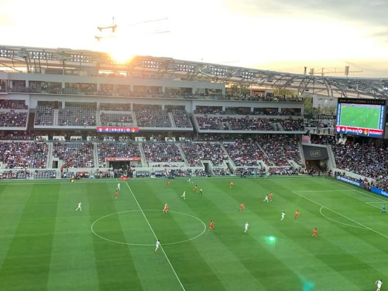 Vista sentada para Banc of California Stadium Secção 213 Fila W Lugar 24