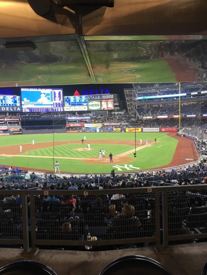 Vista sentada para Yankee Stadium Secção 121a Fila 17s Lugar 4