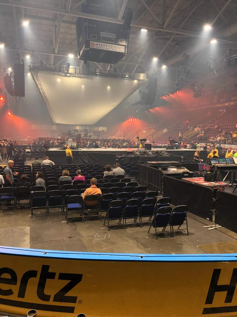 Vista sentada para Hertz Arena Secção 107 Fila 4 Lugar 3