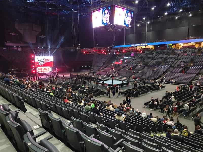 Vista sentada para AccorHotels Arena Secção R Fila 12 Lugar 16