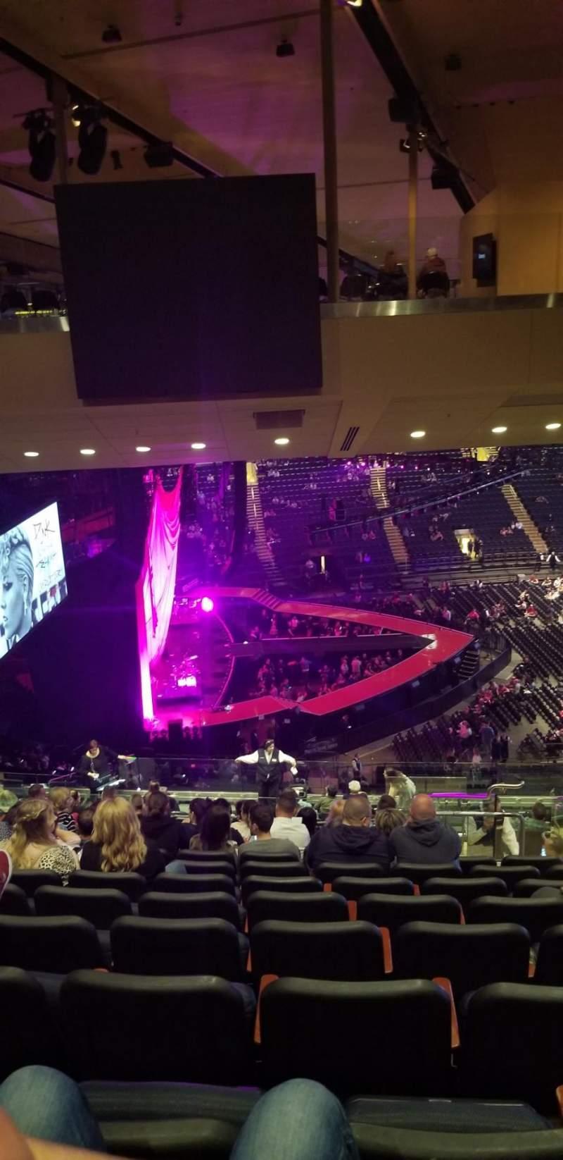 Vista sentada para Madison Square Garden Secção 222 Fila 20 Lugar 19