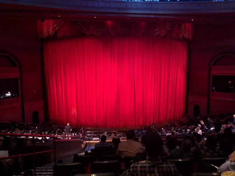 Vista sentada para O Theatre Secção 203 Fila X Lugar 4