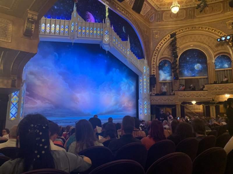Vista sentada para Eugene O'Neill Theatre Secção Orchestra L Fila M Lugar 25