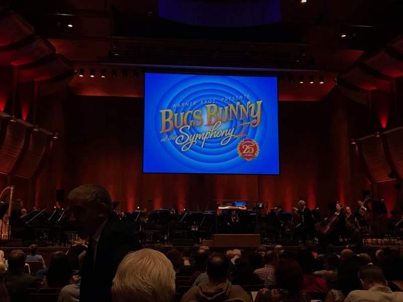 Vista sentada para David Geffen Hall Secção Orchestra 1 Fila Q Lugar 104
