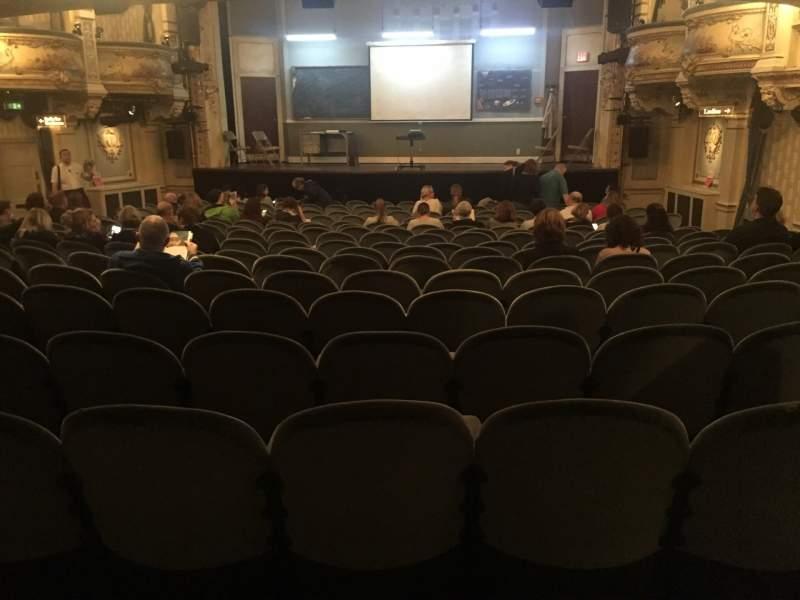 Vista sentada para Wyndham's Theatre Secção Stalls Fila R Lugar 12