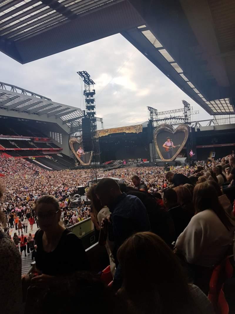 Vista sentada para Anfield Secção 109 Fila 23