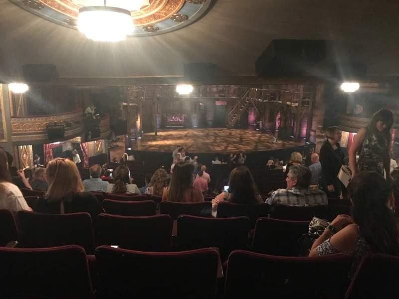 Vista sentada para Richard Rodgers Theatre Secção Orchestra L Fila W Lugar 11